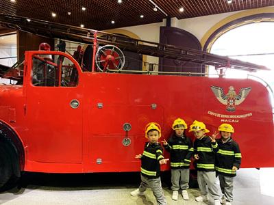 K2 visits the Fire Station